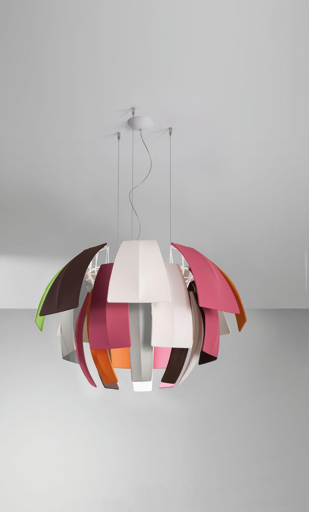exotische und luxuri se designer h ngeleuchte plumage axo. Black Bedroom Furniture Sets. Home Design Ideas